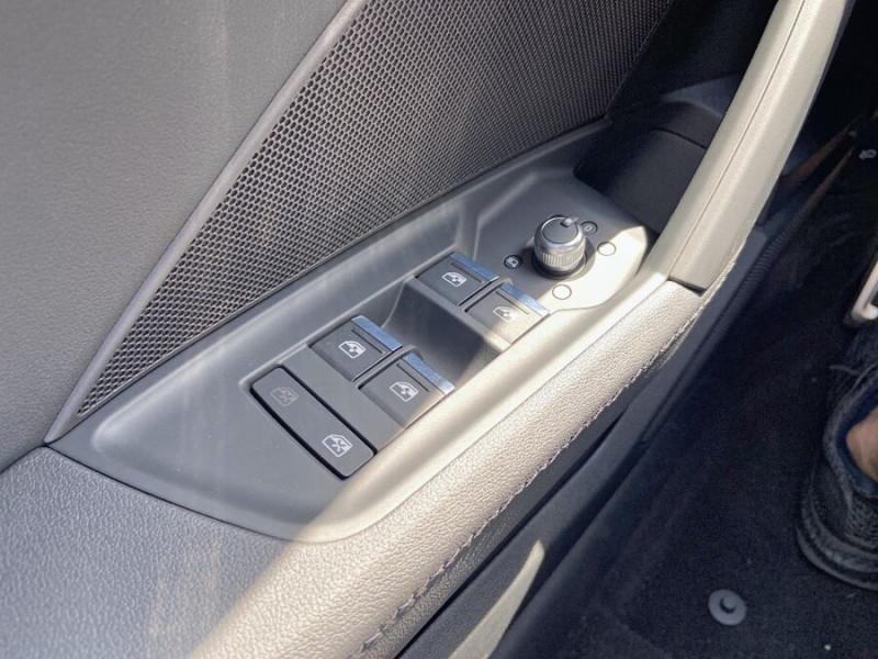 Audi A3 Sportback NEW 35 TDi 150 STRONIC SLINE GPS JA18'' Virtual Cockpit Plus Blanc occasion à Toulouse - photo n°15