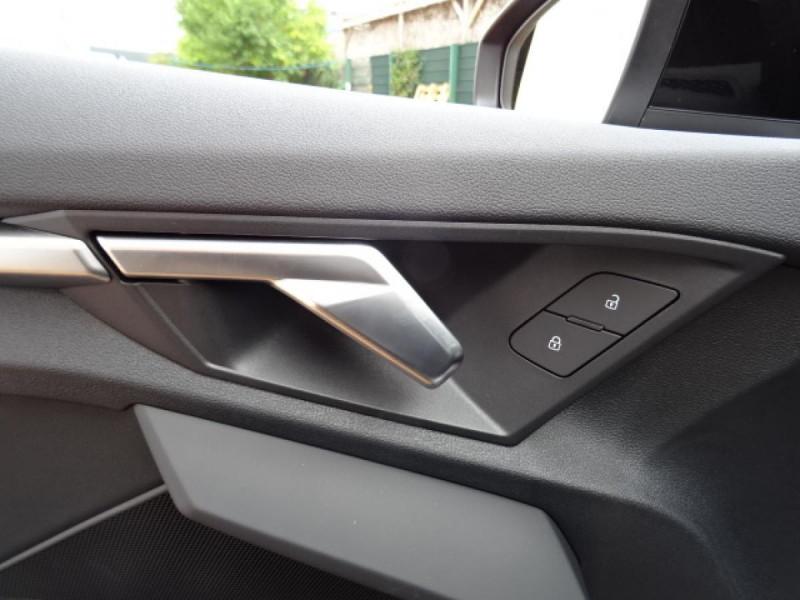 Audi A3 Sportback Sportback 1.5 35 TFSI - 150 S line Noir occasion à Mérignac - photo n°15