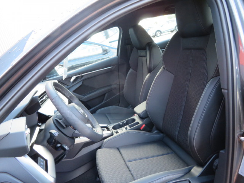 Audi A3 Sportback Sportback 2.0 35 TDI - 150 - BV S-Tronic 7  8Y SPORTBACK S l Gris occasion à Labège - photo n°13