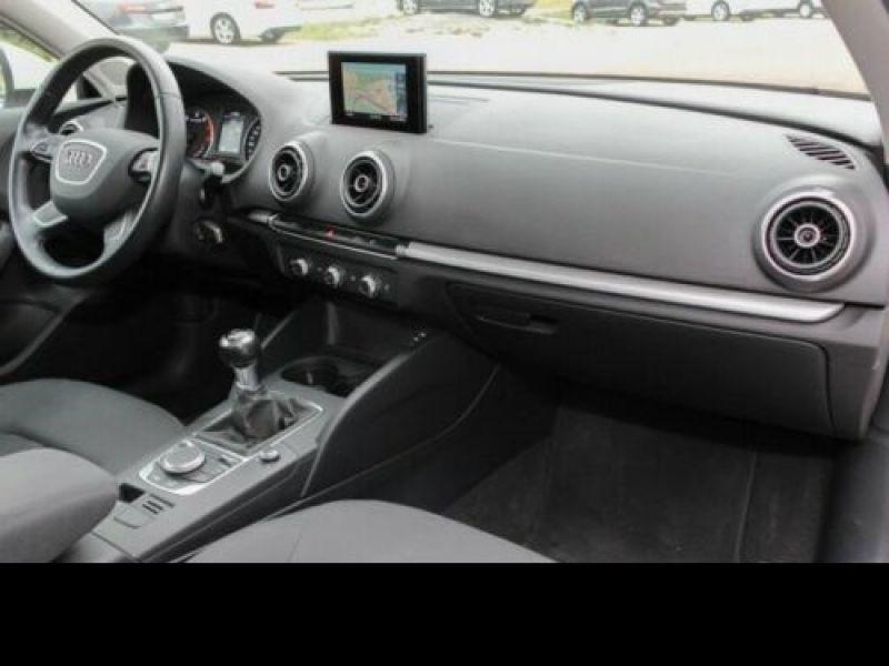 Audi A3 1.2 TFSI 110 cv Blanc occasion à Beaupuy - photo n°2