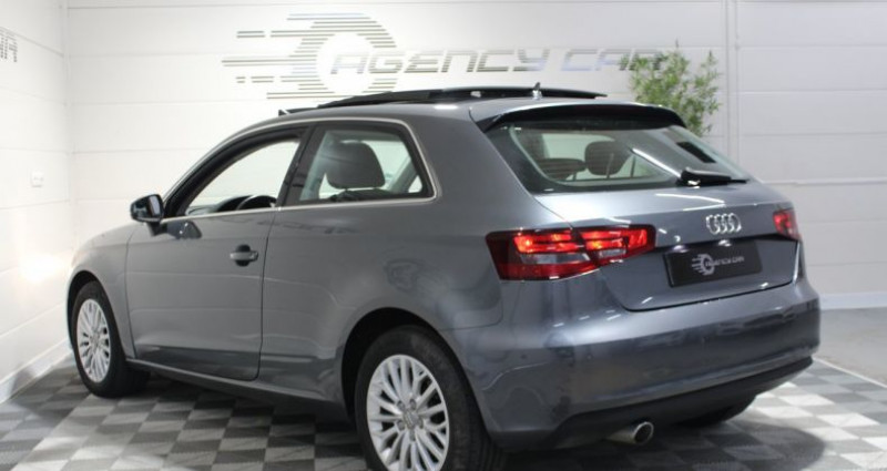 Audi A3 1.6 TDI 105ch Ambition Luxe Gris occasion à COIGNIERES - photo n°6