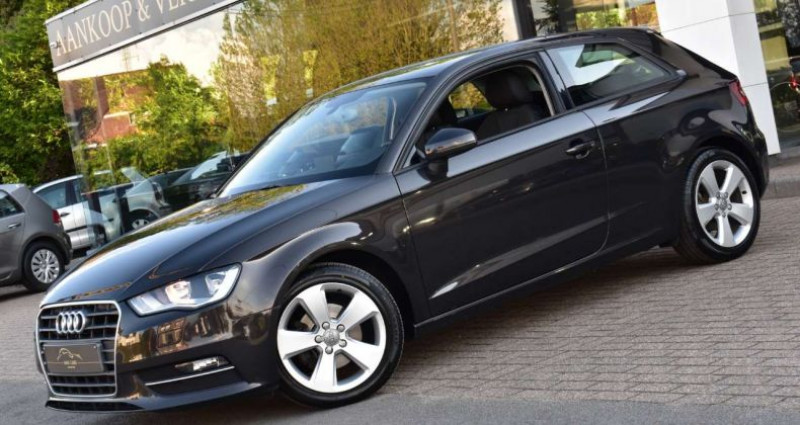 Audi A3 1.6TDi ultra Attraction Marron occasion à Ingelmunster