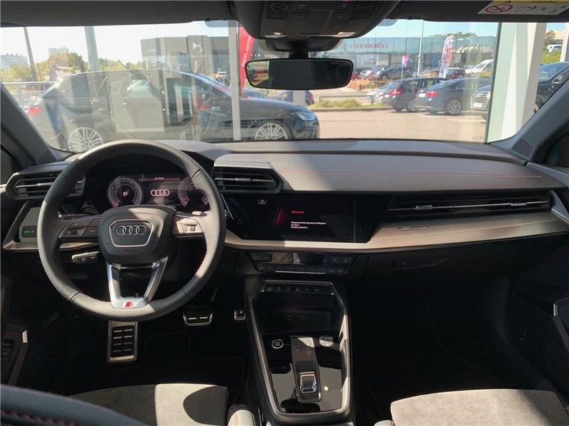 Audi A3 35 TFSI 150 S TRONIC 7 Gris occasion à Brest - photo n°4