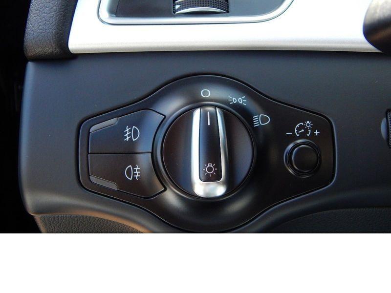 Audi A4 Avant 2.0 TDI Quattro 150 Noir occasion à Beaupuy - photo n°7