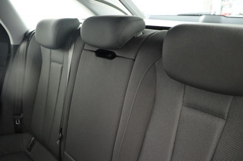 Audi A4 Avant 2.0 TDI ultra 150 S tronic 7 Design Gris occasion à Aubière - photo n°6