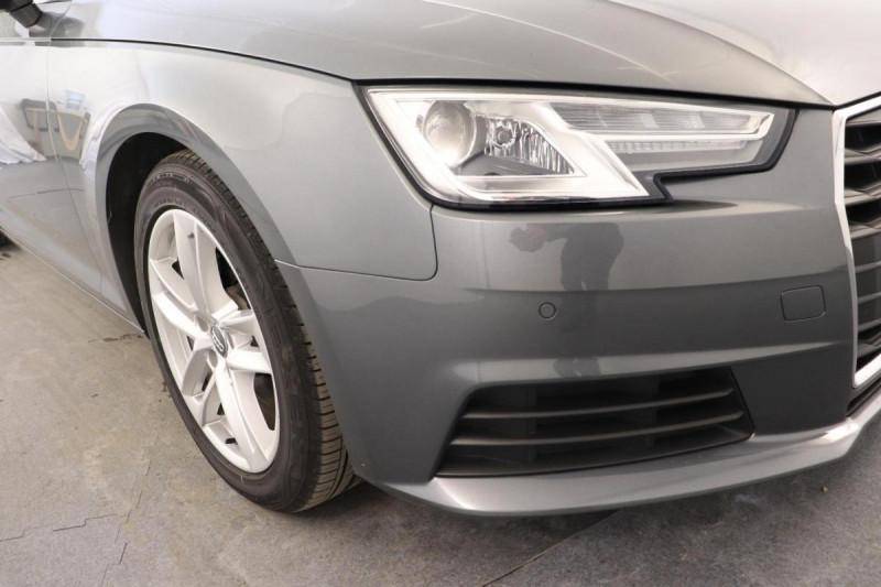 Audi A4 Avant 2.0 TDI ultra 150 S tronic 7 Design Gris occasion à Aubière - photo n°8