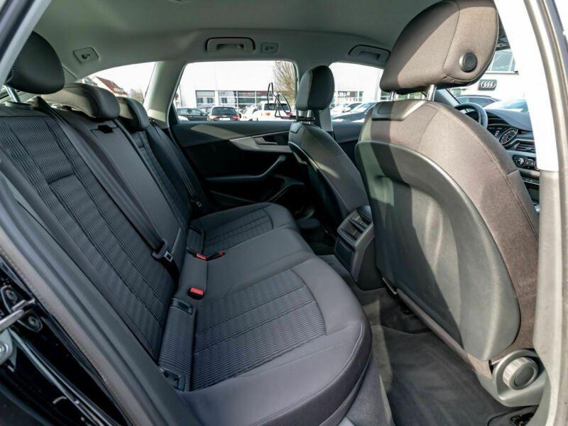 Audi A4 Avant 3.0 TDI 218 Noir occasion à Beaupuy - photo n°5