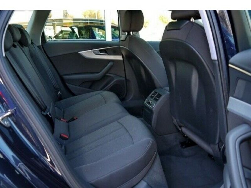 Audi A4 Avant 3.0 TDI 218 Bleu occasion à Beaupuy - photo n°6
