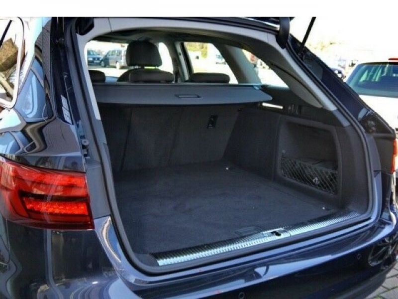 Audi A4 Avant 3.0 TDI 218 Bleu occasion à Beaupuy - photo n°9