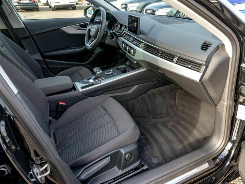 Audi A4 Avant 3.0 TDI 218 Noir occasion à Beaupuy - photo n°4