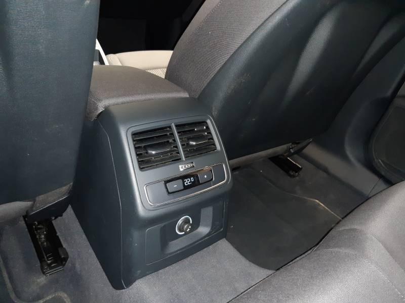 Audi A4 Avant 35 TDI 150 S tronic 7 Design Noir occasion à Lormont - photo n°16