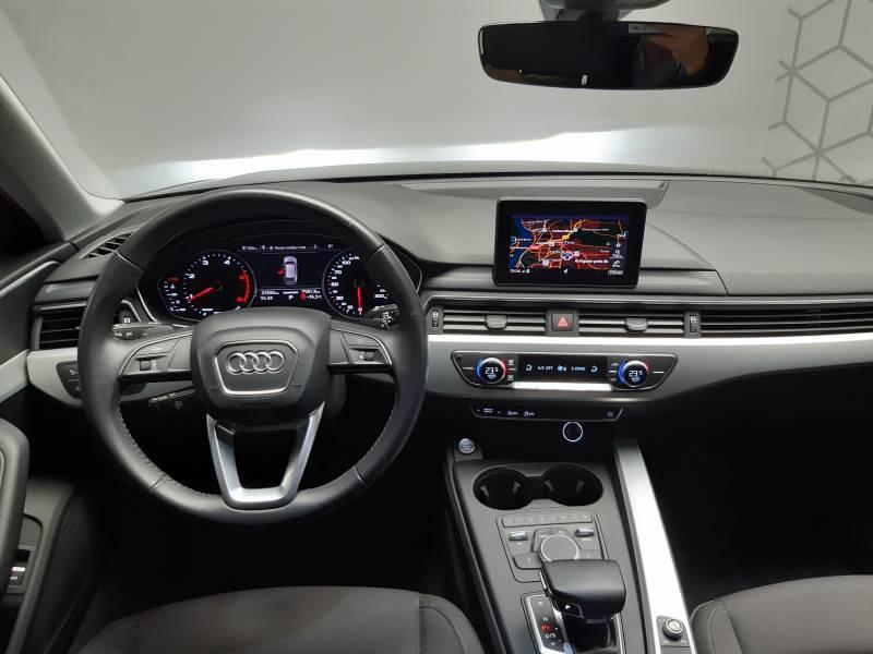 Audi A4 Avant 35 TDI 150 S tronic 7 Design Noir occasion à Lormont - photo n°12