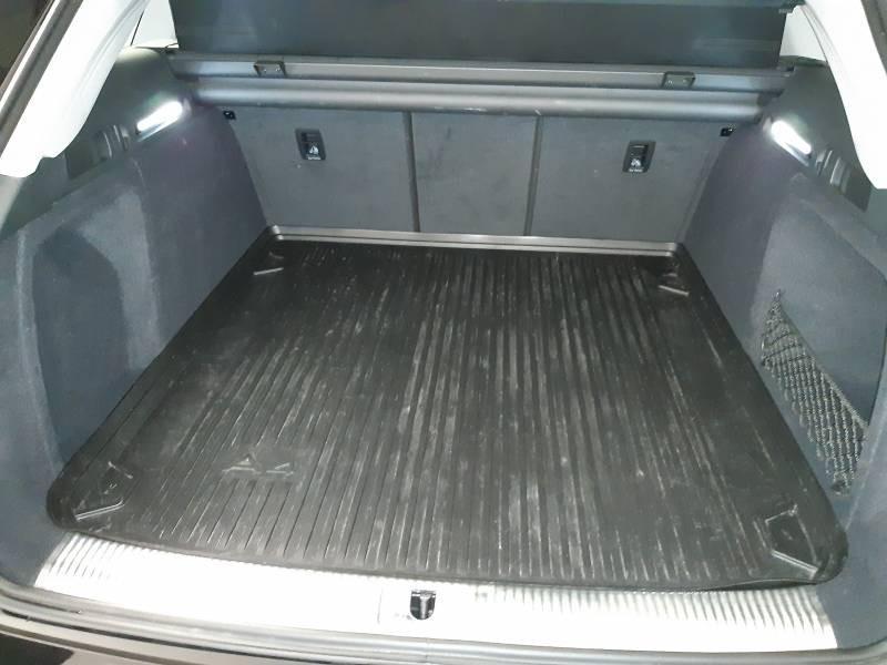 Audi A4 Avant 35 TDI 150 S tronic 7 Design Noir occasion à Lormont - photo n°4
