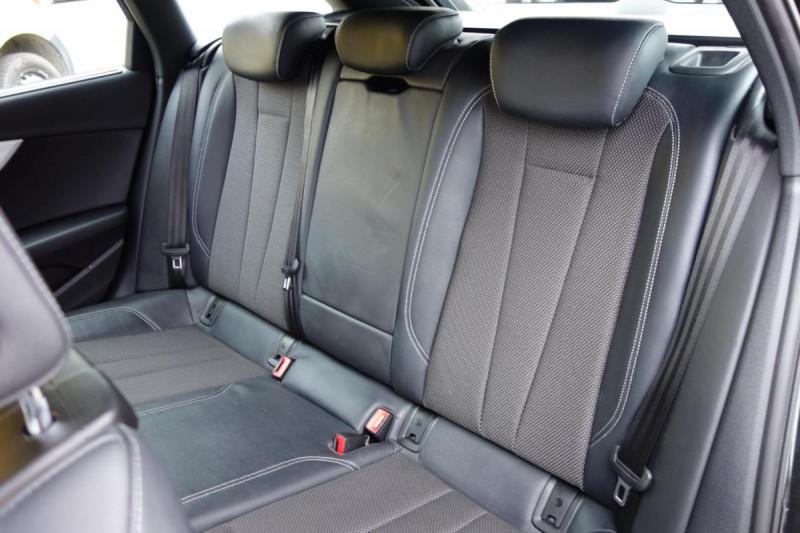 Audi A4 Avant 35 TDI 150 S tronic 7 S line Noir occasion à PLOERMEL - photo n°10