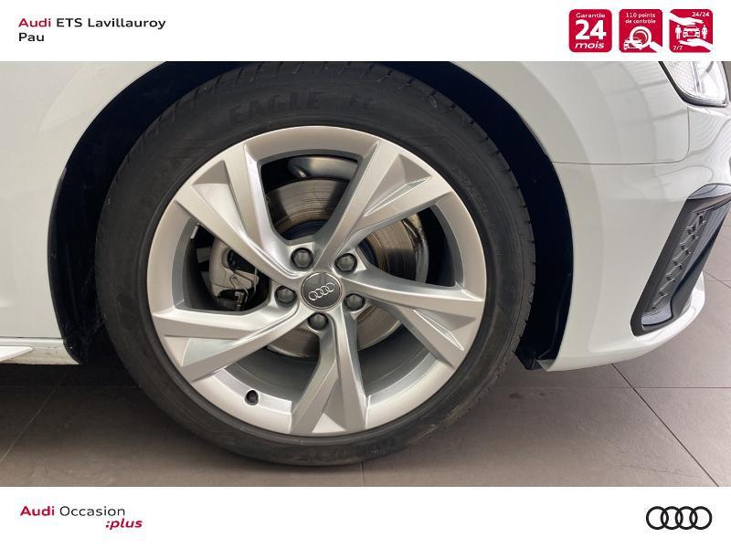 Audi A4 Avant 35 TDI 163ch S line S tronic 7 9cv Blanc occasion à Lescar - photo n°9