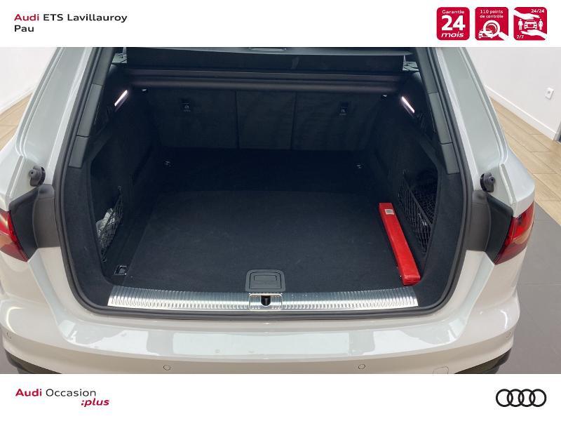 Audi A4 Avant 35 TDI 163ch S line S tronic 7 9cv Blanc occasion à Lescar - photo n°11