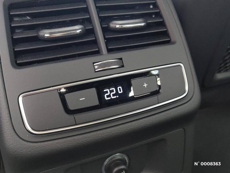 Audi A4 Avant A4 Avant 2.0 TDI 150 S tronic 7S line Gris occasion à Saint-Maur-des-Fossés - photo n°10