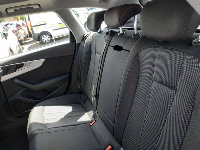 Audi A4 Avant BUSINESS 2.0 TDI ultra 150 S tronic 7 Line Bleu occasion à VANNES - photo n°5