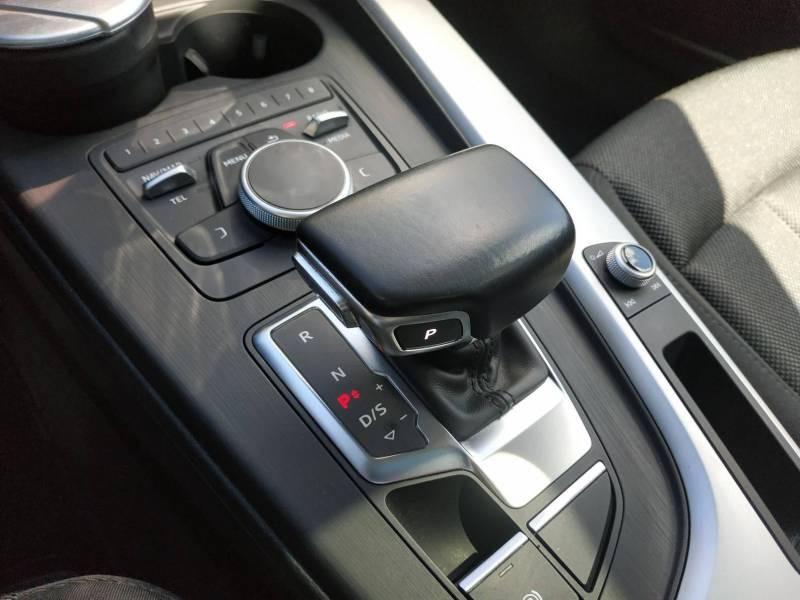 Audi A4 Avant BUSINESS 2.0 TDI ultra 150 S tronic 7 Line Bleu occasion à VANNES - photo n°9