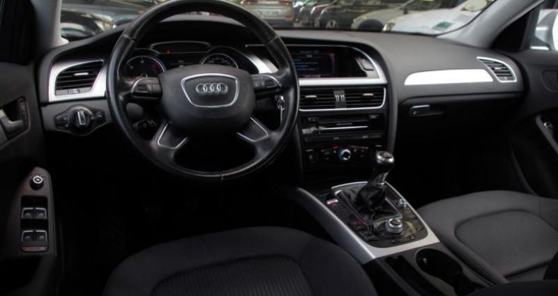 Audi A4 Avant IV (2) AVANT 2.0 TDI 143 BUSINESS LINE Gris occasion à Chambourcy - photo n°2