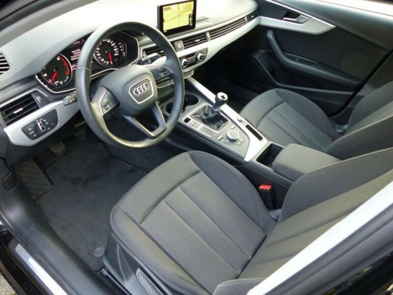 Audi A4 1.4 TFSI 150 Noir occasion à Beaupuy - photo n°4