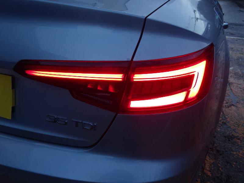 Audi A4 2.0 TDI 150CH S LINE S TRONIC 7 Gris occasion à Mérignac - photo n°7