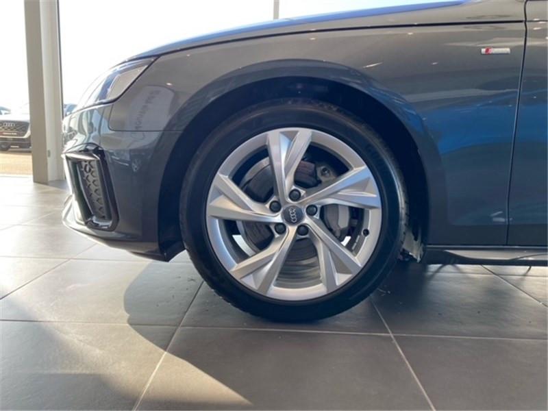 Audi A4 40 TDI 190 S TRONIC 7 Gris occasion à Saint-Martin-des-Champs - photo n°5