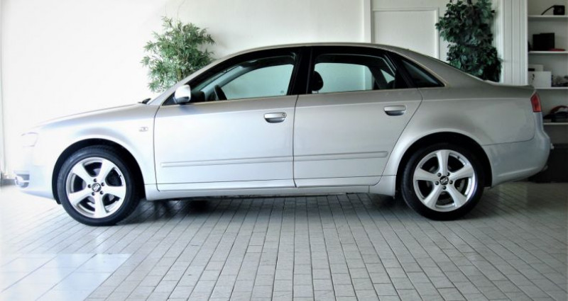 Audi A4 A4 III 2.0 TDI 140ch AMBITION MULTITRONIC Gris occasion à UNGERSHEIM - photo n°2