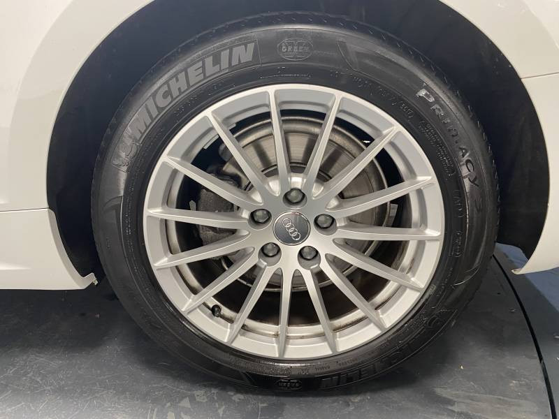 Audi A5 2.0 TDI 150 Blanc occasion à Lormont - photo n°9