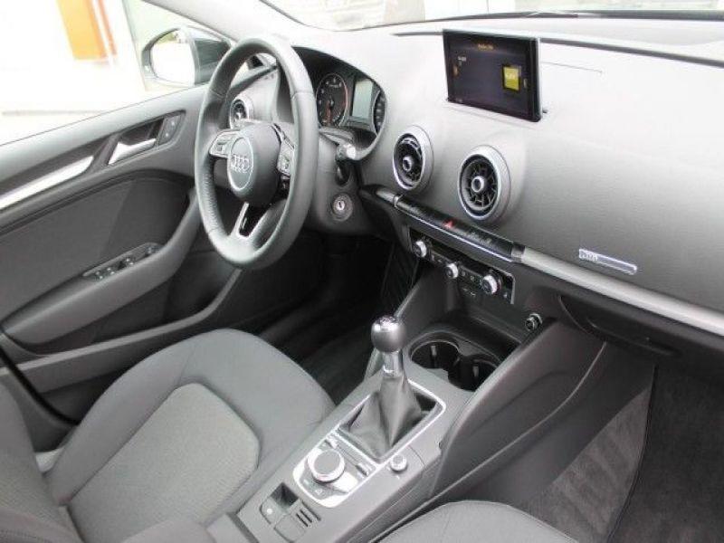 Audi A6 Avant 1.0 TFSI 116 Noir occasion à Beaupuy - photo n°4
