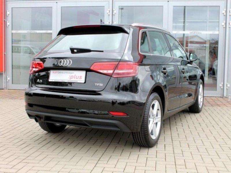 Audi A6 Avant 1.0 TFSI 116 Noir occasion à Beaupuy - photo n°3