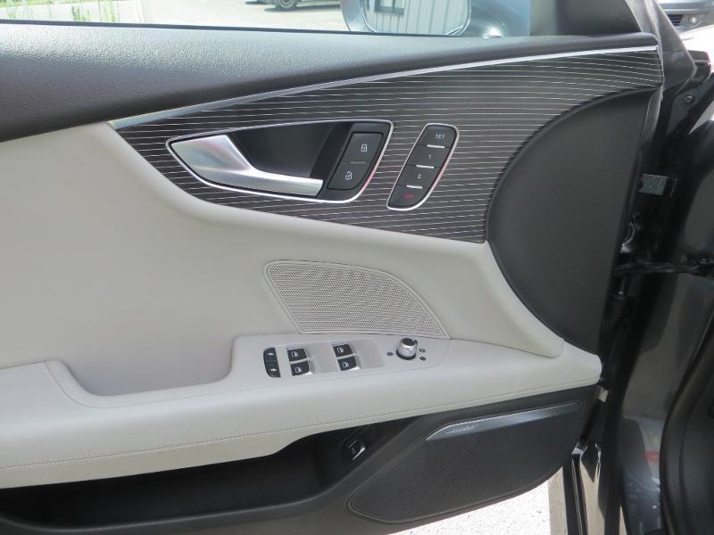 Audi A7 Sportback 3.0 V6 BiTDI 320ch S line quattro Tiptronic Gris occasion à La Roche-sur-Yon - photo n°17