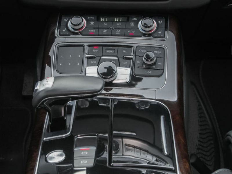 Audi A8 Quattro 3.0 TDI Quattro 250 CH Noir occasion à Beaupuy - photo n°6