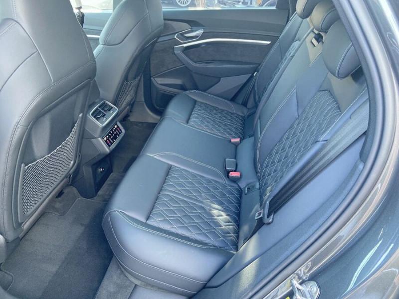 Audi e-tron Sportback 55 QUATTRO 408 SLINE GPS Toit Pano JA21 Attelage Gris occasion à Montauban - photo n°4