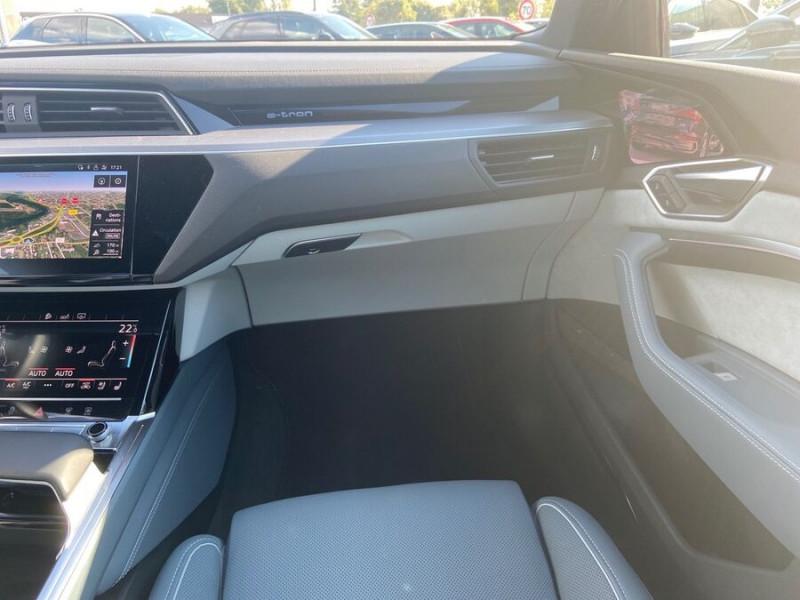 Audi e-tron Sportback 55 QUATTRO 408 SLINE GPS Toit Pano JA21 Rétros virtuels  occasion à Cahors - photo n°13