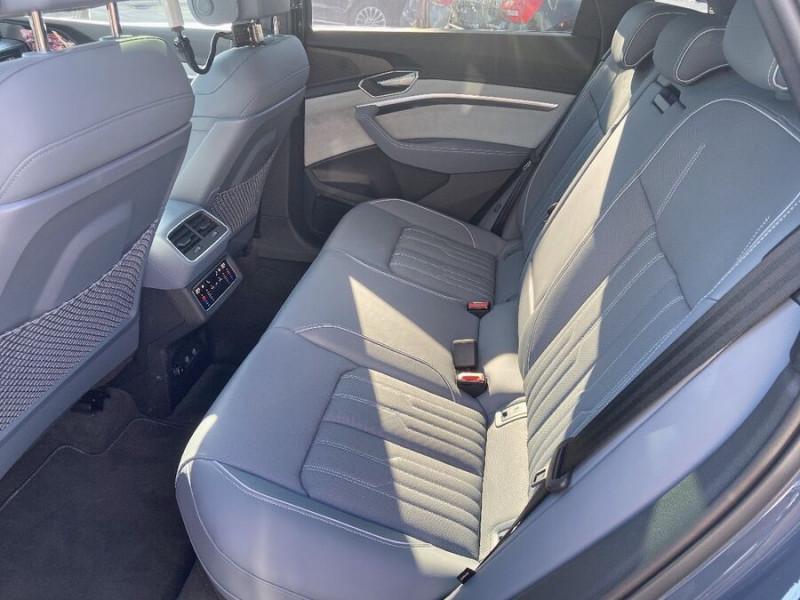 Audi e-tron Sportback 55 QUATTRO 408 SLINE GPS Toit Pano JA21 Rétros virtuels  occasion à Cahors - photo n°4