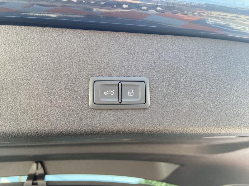 Audi e-tron Sportback 55 QUATTRO 408 SLINE GPS Toit Pano JA21 Rétros virtuels  occasion à Cahors - photo n°9