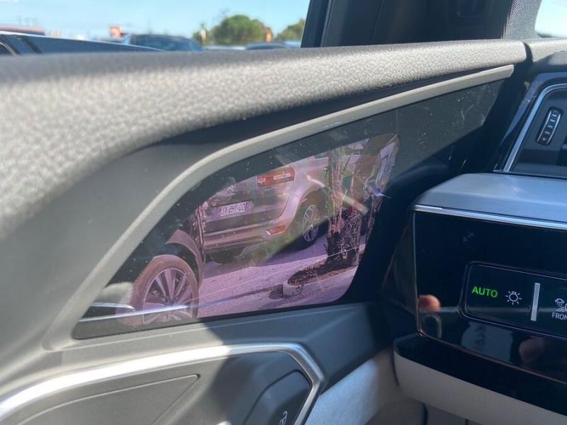 Audi e-tron Sportback 55 QUATTRO 408 SLINE GPS Toit Pano JA21 Rétros virtuels  occasion à Cahors - photo n°19