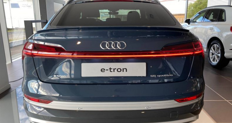 Audi E-tron SPORTBACK Sportback 55 quattro 408 ch S line Bleu occasion à Bourgogne - photo n°4