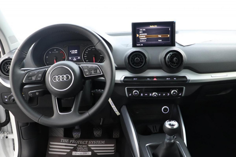 Audi Q2 1.6 TDI 116 ch BVM6 Sport Blanc occasion à Semécourt - photo n°4