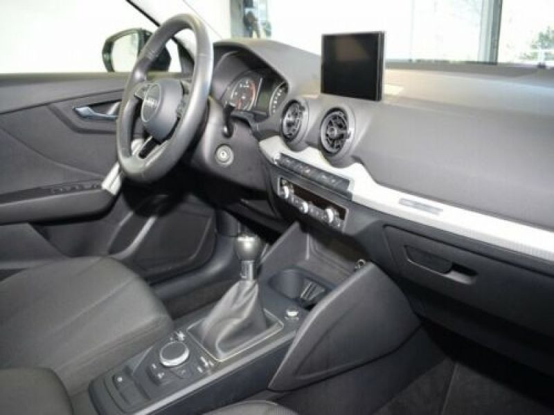 Audi Q2 1.6 TDI 116 Noir occasion à Beaupuy - photo n°2