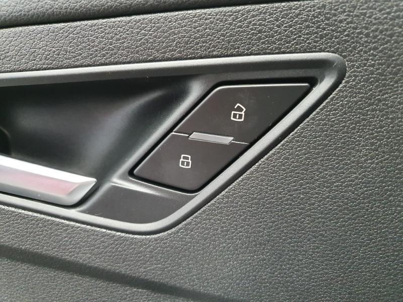 Audi Q2 1.6 TDI 116ch S line S tronic 7 Rouge occasion à Onet-le-Château - photo n°10