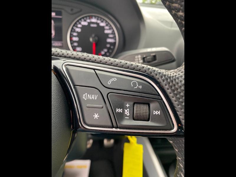 Audi Q2 30 TDI 116ch S line Euro6d-T Blanc occasion à Albi - photo n°15