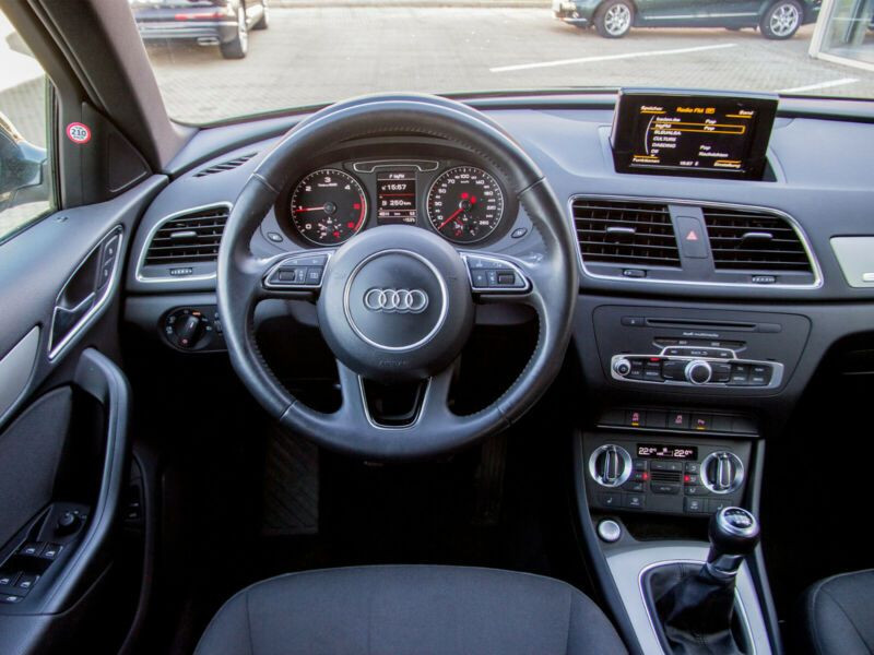 Audi Q3 2.0 TDI 140 Quattro Gris occasion à Beaupuy - photo n°6