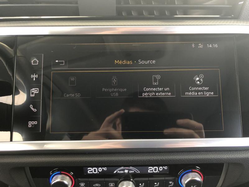 Audi Q3 35 TFSI 150CH DESIGN Blanc occasion à FENOUILLET - photo n°9