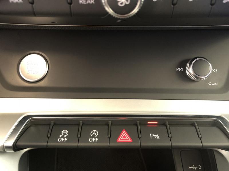 Audi Q3 35 TFSI 150CH DESIGN Blanc occasion à FENOUILLET - photo n°15
