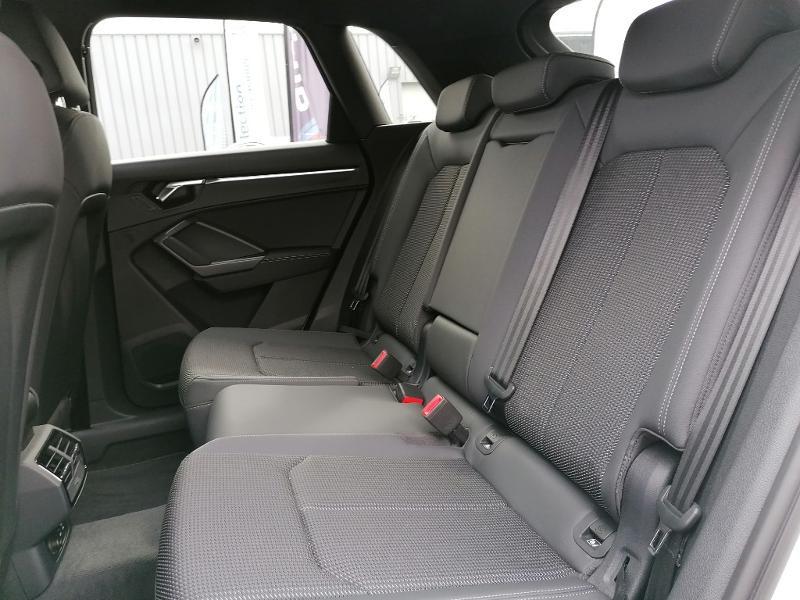 Audi Q3 35 TFSI 150ch S line S tronic 7 Blanc occasion à Fleury-les-Aubrais - photo n°15