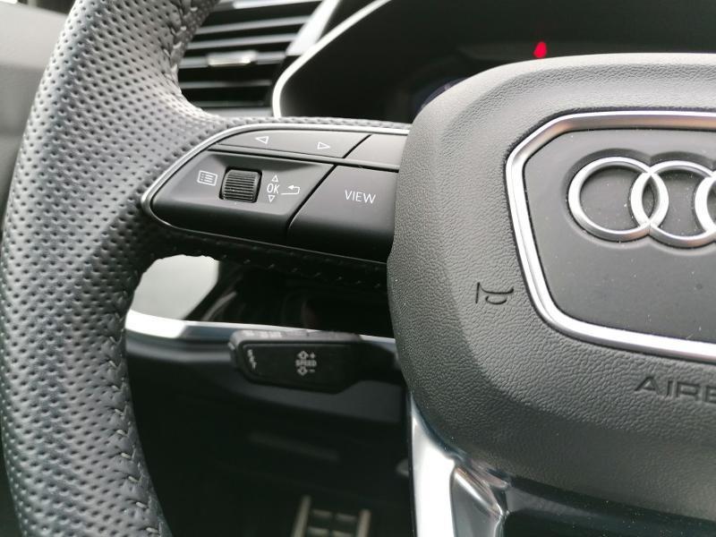 Audi Q3 35 TFSI 150ch S line S tronic 7 Blanc occasion à Fleury-les-Aubrais - photo n°12