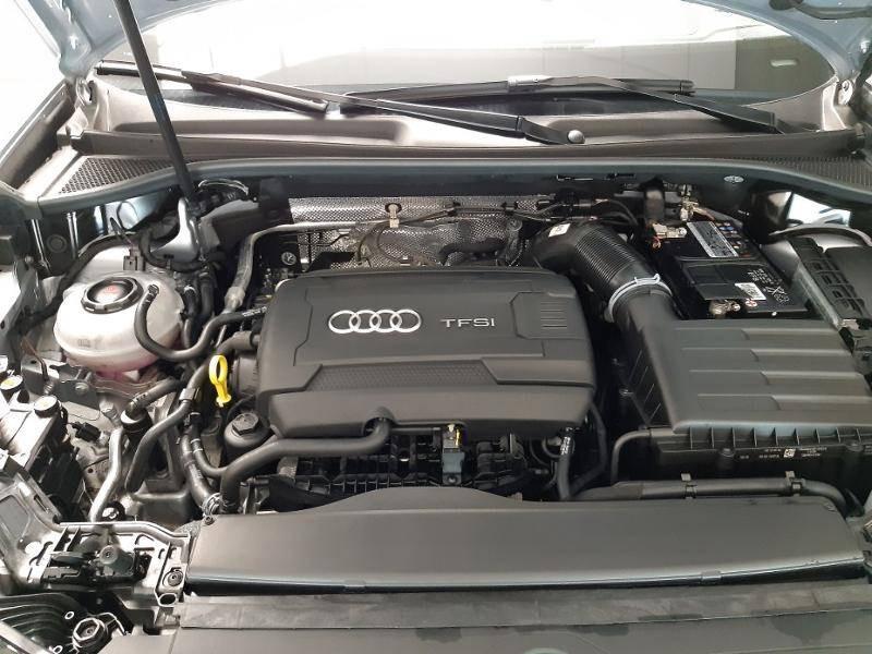 Audi Q3 40 TFSI 190 ch S tronic 7 Quattro Design Luxe Gris occasion à Lormont - photo n°4