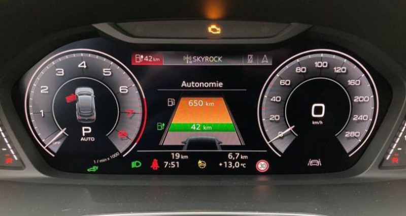 Audi Q3 45 TFSIe 245 ch S tronic 6 S line Gris occasion à Chenove - photo n°5